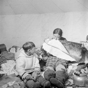 1115-photo-chewing-seal-skin-dorset-1951_g
