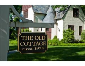 Ye Olde Cottage, courtesy of Home Depot Sign Co.