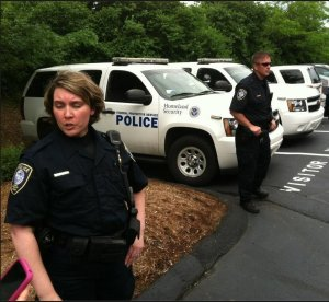 DHS police, weapons ready