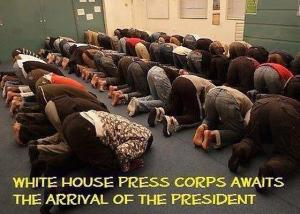 press-corps-bows