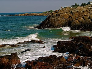 (Fountain's Rocky Beach in Ogunquit, actually, but you get the picture)