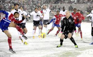 Football in the snow - go, Dallas!