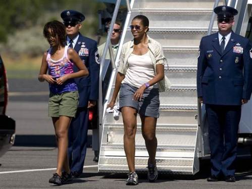 """""""In a bold style never before seen stepping down from Air Force One, ...""""the First Lady!"""""""
