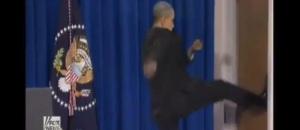 Obama-kicks-a-door