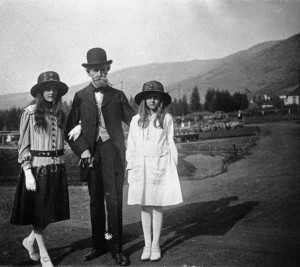 With Papa, Butte, MT, 1917