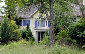 (The former) Mrs. Jimmy Licata foreclosure, 23 Meeting House