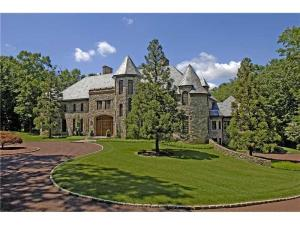 88 Conyers Farm Drive, on the market since 2005 (Ogilvy listing, started at $91 million, now $13.5)
