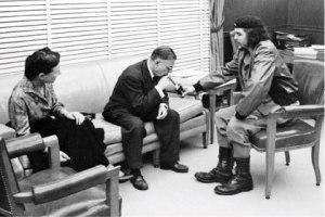 1960: Perfect together - Che lights Sartre's Cuban cigar