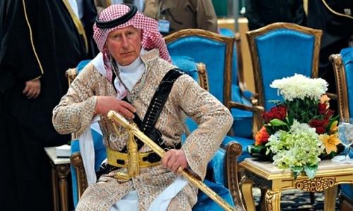 Prince-Charles-sword-danc-011