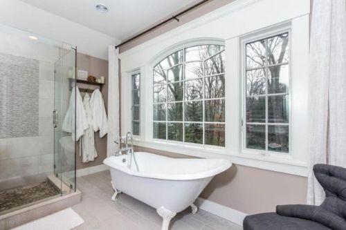 Eos Bath