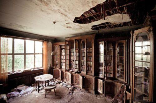 Abandoned-English-Manor3