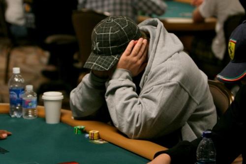 losing poker player