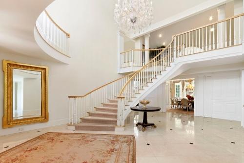 andrews foyer