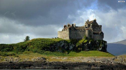 scottish-castle-wallpaper